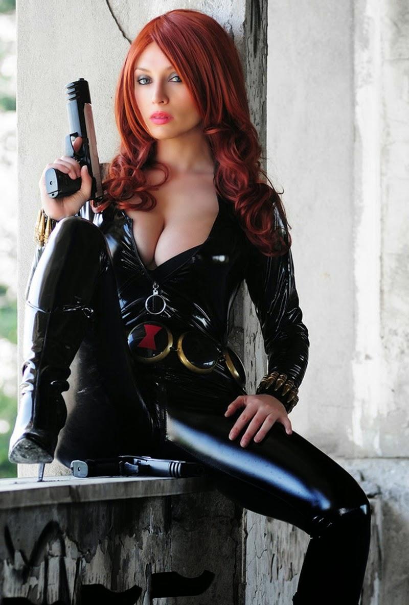 Black Widow Porno